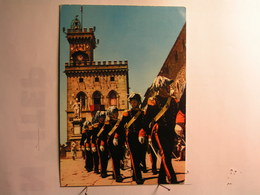 San Marino - Garde D'Honneur - Palais Du Gouvernement - Saint-Marin