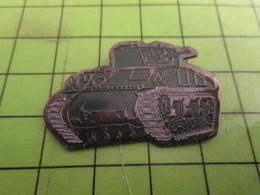 812c Pins Pin's / Rare & Belle Qualité THEME MILITARIA / CHAR TANK SHERMAN M4 - Militaria