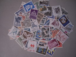 SUEDE LOT DE 100 TIMBRES OBLITERES TOUS DIFFERENTS - Colecciones