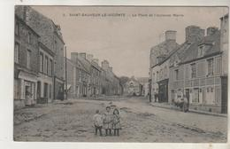 SAINT SAUVEUR Le VICOMTE - Place De L'ancienne Mairie - Saint Sauveur Le Vicomte