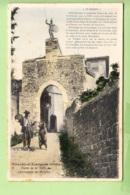 CHAZAY D' AZERGUES - Porte De La Ville Et Son Baboin - Animée Avec Montreur D' Ours - Colorisée - 2 Scans - Other Municipalities