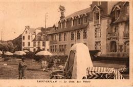 22. CPA. SAINT EFFLAM. Le Coin Des Hotels.  1954. - France