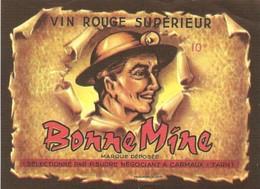 ANCIENNE ETIQUETTE DE VIN ROUGE. CARMAUX. 81. TARN.  BONNE MINE. PHOTO DE MINEUR AVEC SA LAMPE FRONTALE - Affiches