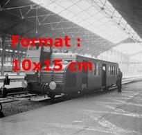Reproduction D'une Photographie Ancienne D'un Nouveau Autorail Type X5600 à La Gare St-Lazare à Paris En 1947 - Reproductions