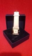 Montre Femme Modéle Ernest - Marque Quartz - Watches: Jewels