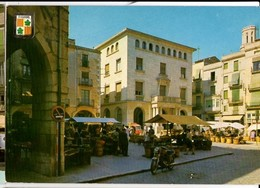 CP Espagne - FIGUERAS - Plaza Generalisimo Y Mercado - N° 552 - Color. Viajado - Gerona