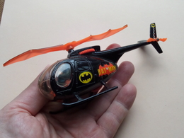 BAT HELICOPTER - Made In ....? > Metal ( Please See Photo For Detail ) Uncleaned *** BATMAN ! - Avions & Hélicoptères