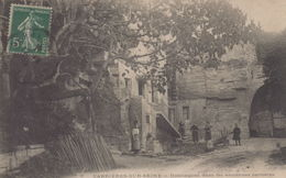 Carrières-sur-Seine : Habitations Dans Les Anciennes Carrières - Carrières-sur-Seine