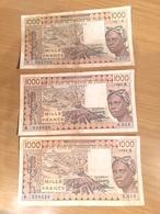 Trois Billets Du Sénégal 1000 Francs( Un De   1987 K Et Deux De 1986 K ° - Sénégal
