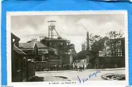 LIEVIN-LA Fosse- N°3- Les Mineurs Devant L'entrée-beau Plan Animé-a Voyagé En 1945-édition Fauchois - Lievin