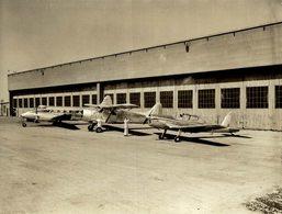 DE HAVILLAND CANADA  BUILDING CHIPMUNKS AND BEAVERS  AND DOVES 12 * 9  CM Aviation, AIRPLAIN, AVION AIRCRAFT - Aviación