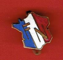 INSIGNE WWII 1941 METAL EMAILLE FRONT NATIONAL POUR LA LIBERATION DE LA FRANCE 15 MAI 1941 PARTI COMMUNISTE FRANCAIS - Documents