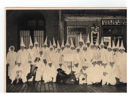 Antwerpen? Omgeving..CAFE DEN BOKSER (groep Verkleed Als KU KLUX KLAN) Fotokaart 16,5x11,5cm )fotograaf L.MEURIS BERCHEM - Cartes Postales
