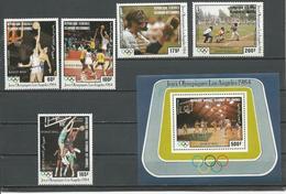 COMORES Scott C132-C136 C137 Yvert PA201-PA205 BF39 (5+bloc) ** Cote 14,50 $ 1984 - Comores (1975-...)