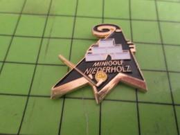910e Pins Pin's / Rare & Belle Qualité THEME SPORTS : MINIGOLF DE NIEDERHOLZ - Golf