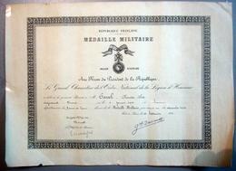Brevet De La Médaille Militaire Délivré En 1954 - Diplômes & Bulletins Scolaires