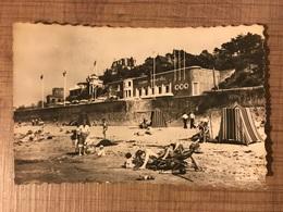 VILLERVILLE Sur La Plage Au Pied Du Casino - Villerville
