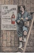 CPA VIN DU BON SOUVENIR FABRIQUE PAR A. MIFRANC - GARCONNET POSEUR D' AFFICHE - Scènes & Paysages