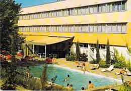 46 - FIGEAC En QUERCY : Hotel Des CARMES Enclos Des Carmes - La Piscine - CPSM Dentelée Grand Format - Lot - Figeac