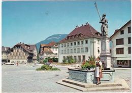 Stans: SIMCA 1000 - Winkelriedbrunnen, 'Nidwaldner Kantonalbank', Dorfplatz - (Suisse/Schweiz) - Toerisme