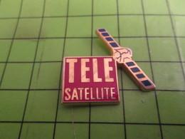 1215b Pin's Pins / Rare & De Belle Qualité : THEME ESPACE : SATELLITE TELE MAGAZINE PROGRAMMES TV - Espace