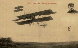 CURTISS VOLE SUR SON BIPLAN - Aviones