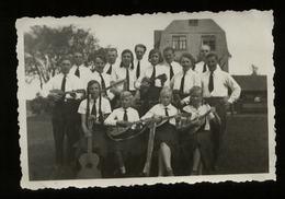WW II HJ BDM Mädel Mit Mandolinen Foto 8,5 X 5,5 Cm. - Deutschland