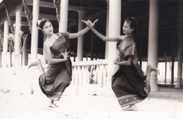 LAOS  VIENTIANE  :  DANSEUSES  . - Laos