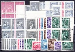 Tchécoslovaquie 1945-6 Lot Avec Les Timbres Neufs Sans Charniere - Lots & Serien