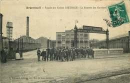 VAL D'OISE ARGENTEUIL Facade Des Usines DIETRICH  La Rentrée Des Ouvriers - Argenteuil