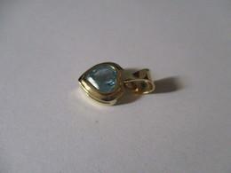 Cuore In Oro Bi-colore Con Topazio Azzurro. 1cm Più Anellino - Pendentifs