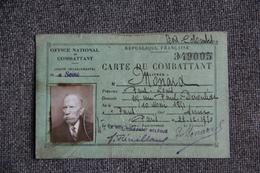 Carte De Combattant Délvrée à BOIS COLOMBES - Documents Historiques