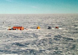 1 AK Antarctica Antarktis * The First Field Camp At Mid-C In The 1999-2000 Summer Season * - Cartes Postales