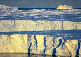1 AK Antarctica Antarktis * Terre Adelie * The Astrolabe Glacier * - Postcards