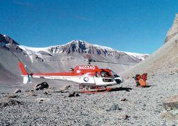 1 AK Antarctica Antarktis * Dry Valleys * Hubschrauber Und Forscher In Den Antarktischen Trockentälern * - Postcards