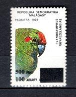 MADAGASCAR N° YVERT 1681AJ  SURCHARGE NEUF SANS CHARNIERE COTE MICHEL 100.00€  OISEAUX  ANIMAUX  VOIR DESCRIPTION - Madagascar (1960-...)