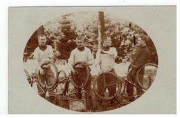 Leopoldsburg? Nettoyage Des Vélo's..1907   Fotokaart - Casernes