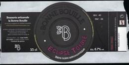 Etiquette Biere  Noire Bonne Bouille éclipse Totale  6,7%  33cl   Brasserie  La Bonne Bouille Pontarlier 25 - Bière
