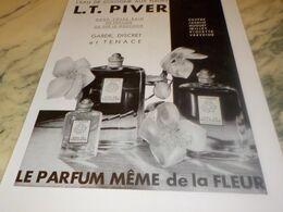 ANCIENNE PUBLICITE EAU DE COLOGNE AUX FLEURS L.T PIVER 1932 - Affiches
