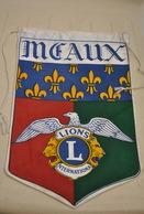 Rare Fanion Lion's Club Meaux - Organizations