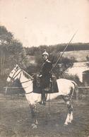 Cavalerie, Dragons Sur Cheval Et Sa Lance , Carte Photo1914 - Regimenten