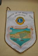 Rare Fanion Lion's Club Chateau De La Basse Terre Guadeloupe - Organizaciones