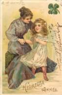 Belle Carte Gaufree De 1905 - Enfant Et Sa Mère - Nouvel An