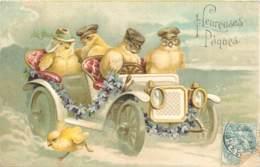 Belle Carte Gaufree D'une Auto Conduite Par Des Poussins En 1905 - Pâques