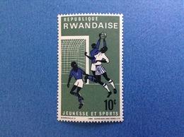 1986 RWANDA REPUBLIQUE RWANDAISE SPORT CALCIO 10 C FRANCOBOLLO NUOVO STAMP NEW MNH** - Rwanda