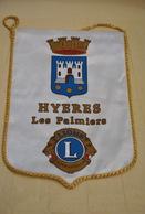 Rare Fanion Lion's Club Hyeres Les Palmiers - Organisations