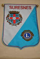 Rare Fanion Lion's Club Suresnes - Organisations