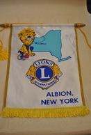 Rare Fanion Lion's Club Albion New-York - Organisations