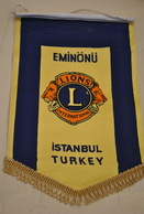 Rare Fanion Lion's Club Eminonu Istambul Turquie - Organizaciones