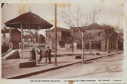 13)   SALIN  De  GIRAUD  - Le Kiosque Et L' Hotel Pechinay - France